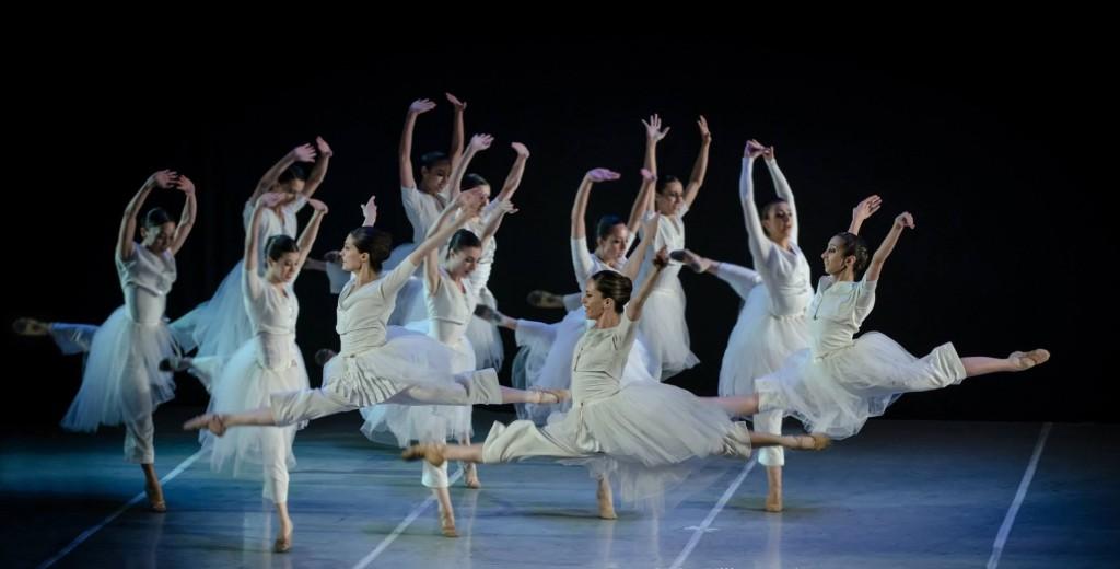 Foto Danzar por la paz Bailarinas PH