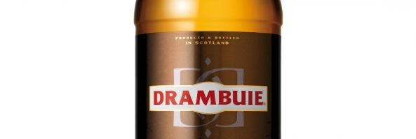 Drambuie, el fino licor de whisky escocés, renueva su imagen